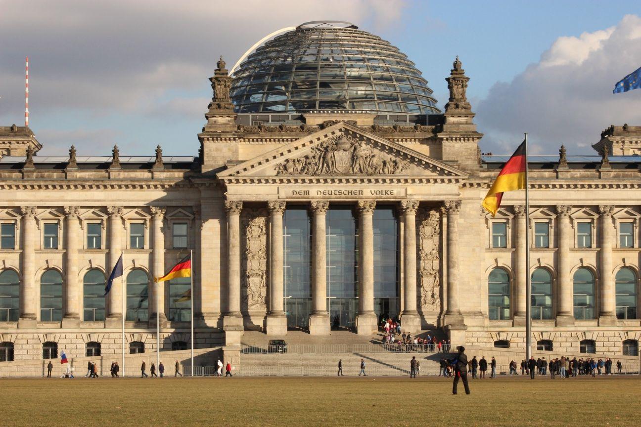 SME SHIPPING บริการ ส่งของไปเยอรมัน ส่งพัสดุไปเยอรมัน เราทำให้การส่งของเป็นเรื่องง่ายแค่ปลายนิ้ว ส่งของจากไทยไปเยอรมัน อัตราค่าส่งของไปเยอรมัน ค่าส่งของไปเยอรมัน อัตราค่าส่งพัสดุไปเยอรมัน ค่าส่งพัสดุไปเยอรมัน ค่าส่งไปรษณีย์ไปเยอรมัน ส่ง EMS ไปเยอรมัน ส่งของไปเยอรมันทางเครื่องบิน ส่งของไปเยอรมันทางเรือ ส่งของทางเรือไปเยอรมัน วิธีส่งของไปเยอรมัน ส่งจดหมายไปเยอรมัน ส่งเอกสารไปเยอรมัน ส่งอาหารไปเยอรมัน ภาษีนำเข้าประเทศเยอรมนี