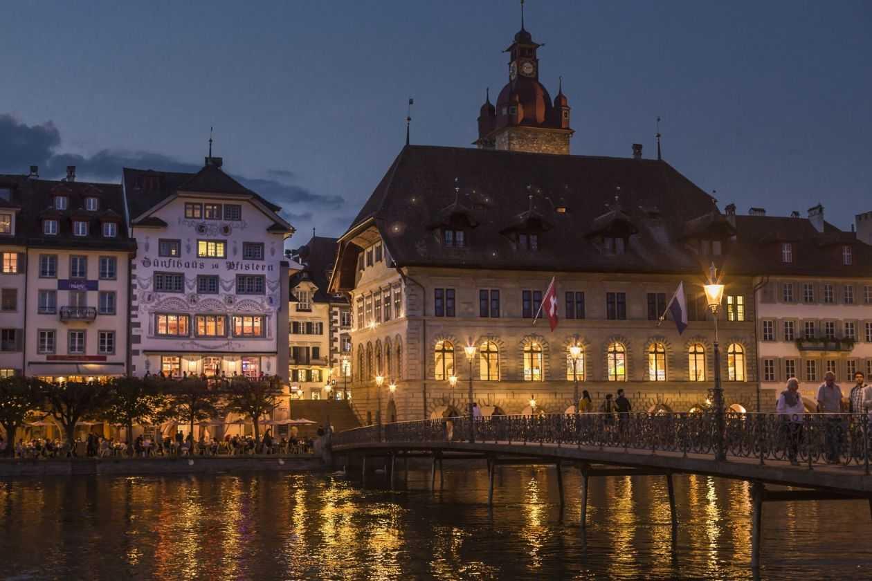 SME SHIPPING บริการส่งของไปสวิสเซอร์แลนด์ ส่งพัสดุไปสวิสเซอร์แลนด์ เราทำให้การส่งของเป็นเรื่องง่ายแค่ปลายนิ้ว ส่งของจากไทยไปสวิสเซอร์แลนด์ อัตราค่าส่งของไปสวิสเซอร์แลนด์ ค่าส่งของไปสวิสเซอร์แลนด์ อัตราค่าส่งพัสดุไปสวิสเซอร์แลนด์ ค่าส่งพัสดุไปสวิสเซอร์แลนด์ ค่าส่งไปรษณีย์ไปสวิสเซอร์แลนด์ ส่ง EMS ไปสวิสเซอร์แลนด์ ส่งของไปสวิสเซอร์แลนด์ทางเครื่องบิน ส่งของไปสวิสเซอร์แลนด์ทางเรือ วิธีส่งของไปสวิสเซอร์แลนด์ ส่งจดหมายไปสวิสเซอร์แลนด์ ส่งเอกสารไปสวิสเซอร์แลนด์ ส่งอาหารไปสวิสเซอร์แลนด์ ภาษีนำเข้าประเทศสวิสเซอร์แลนด์